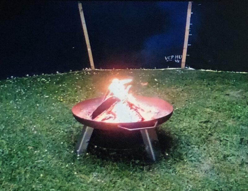 Jetzt live: Das Lagerfeuer des virtuellen PfiLas